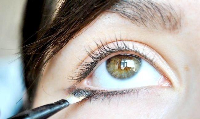 छोटी और गोलियां में आंखें लगाने वाले को कैसे लागू करें I