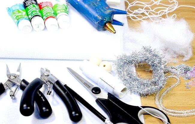 कैसे क्रिसमस के लिए एक हिमपात फेयरी बनाओ
