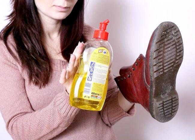स्वच्छ डॉ। मार्टन्स जूते चरण 5 नामक चित्र