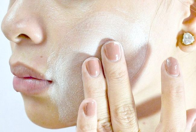 फेस वॉश चरण 6 द्वारा चिंतित त्वचा छेड़ने वाली तस्वीर