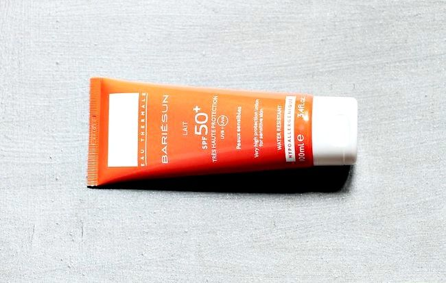 सूर्य की वजह से त्वचा की स्पॉट को कैसे रोकें