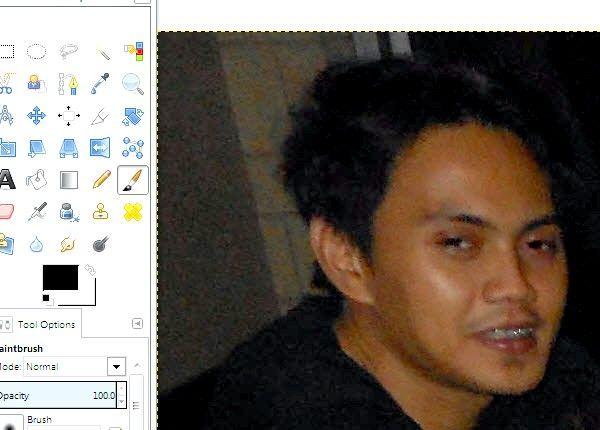 जीआईएमपी चरण 10 का उपयोग कर फ़ोटो पर रेड आइज़ कम करें