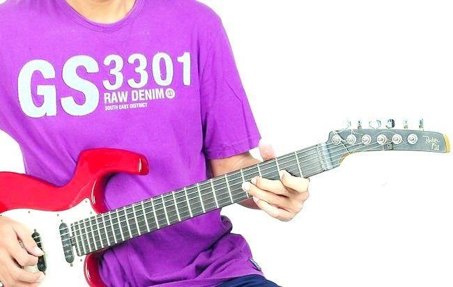 गिटार के चरण 9 में प्ले द ब्लूज़ शीर्षक वाला चित्र