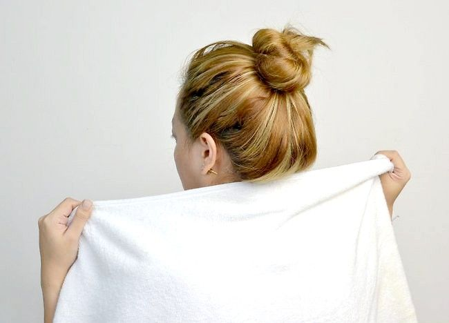 कैसे अपने बालों और त्वचा में नारियल तेल का उपयोग करें