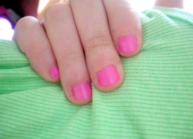 आपकी शीर्षक चरण 8 के विपरीत पहनावा कील पोलिश रंगों वाला चित्र