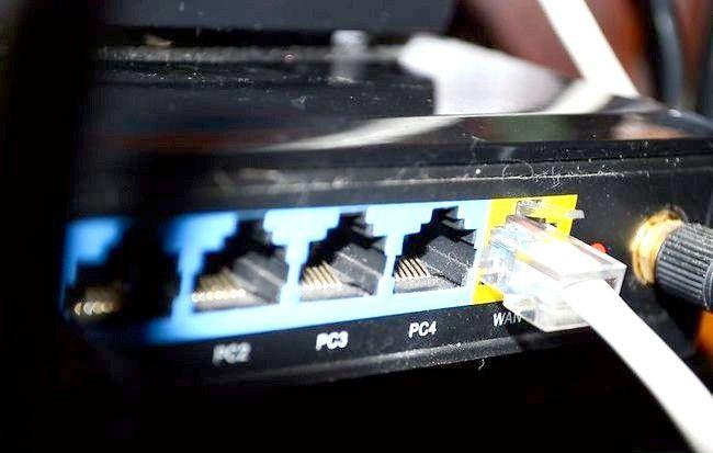 पटकथा शीर्षक वायर्ड कनेक्शन का उपयोग इंटरनेट के साथ अपने Wii कनेक्ट करने के लिए चरण 1